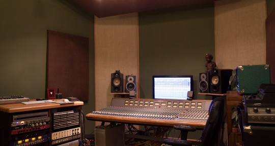 Photo of Pete Grossmann // Bricktop Recording