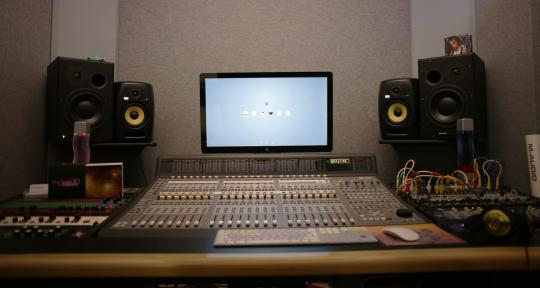 - HM studios