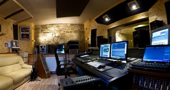 - Medi-Art Studio
