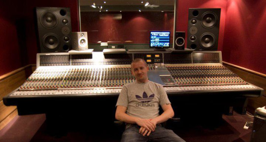 I make records - Andrew William Spence / Project 9 Studio