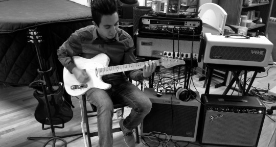 Session Guitarist  - Dave Giraldo