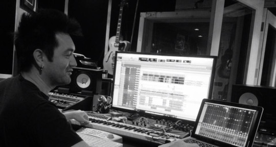 Producer / Songwriter / Studio - Scott Thomas Robinson
