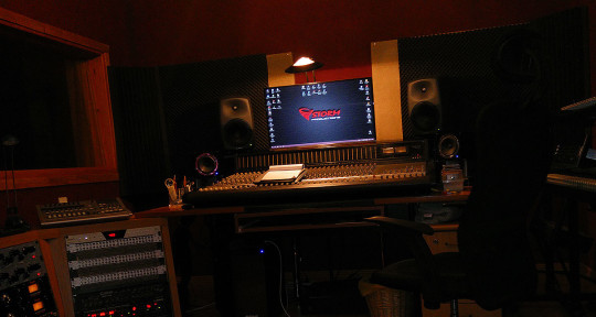 Production, Mixing, Mastering - Itsik Friedman