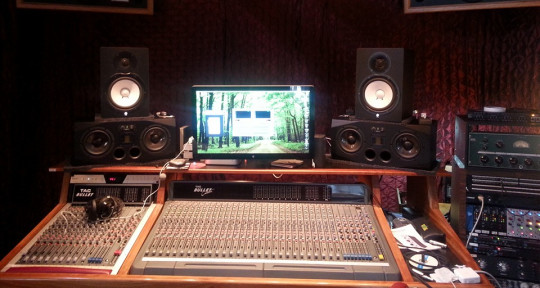 Recording, Mixing and Mastering Engineer  - Jackson Dols Audio
