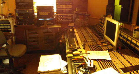 Recording and Mixing studios. - Monopattino Recording Studios