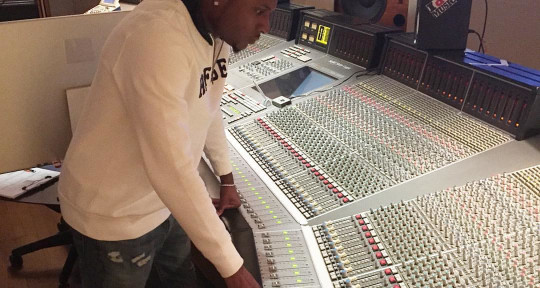 Mixing, Mastering, Vocalist - 1033 Entertainment