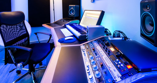 'Remote Mixing & Mastering' - Hot Money Studios
