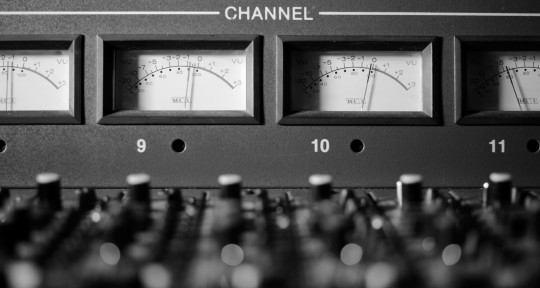Audio Engineer, Producer. - Alberto Leal