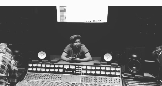 Mixer & Music Producer - Erick Lobo