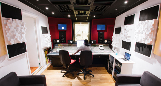 Mixing, Recording Studio - Alwio Desiree