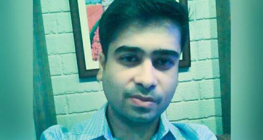 Vocalist Male - Manish Pathak