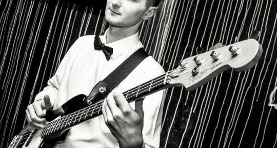 Session bass player - SlavikBass
