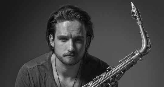 Session Saxophonist - Håkon William