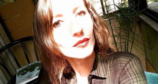 Singer - Sophie Boss