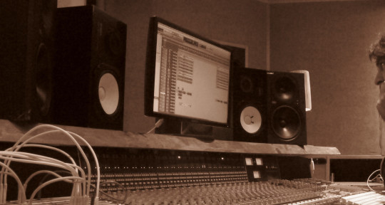 Recording & Mixing Engineer - Sam Van Coillie