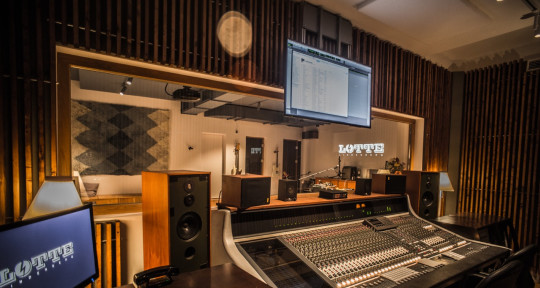 Music Production Studio - Lotte Lindenberg Records