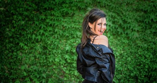 Bilingual Topliner/Vocalist - Gabriela Flores