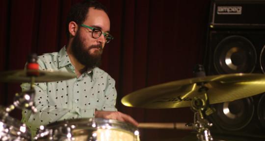 Recording, mixing, drummer - João Thiago Delgado