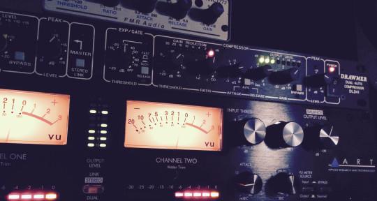 Mixing Engineer/Music Producer - Robert Back