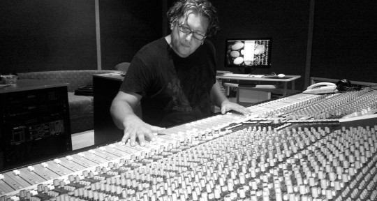 Mixing & Mastering Engineer - GreenHouseMix