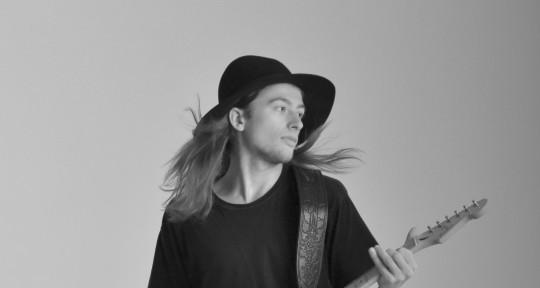 Guitarist, Sound Engineer - Artem Scarlett
