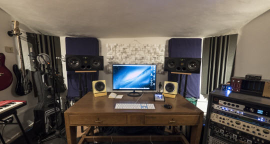 Remote Mixing and Mastering - Castle Studio