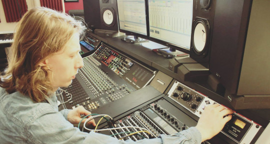 Remote Mixing & Mastering  - Riccardo Menegon