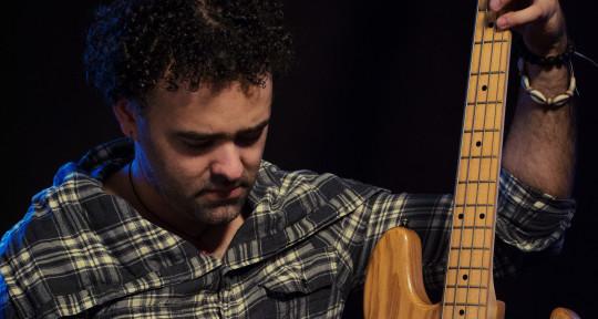 Bass Player - Fabio Ramirez