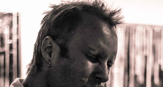 Singer,Guitarist,Producer - Johnnie Ferro