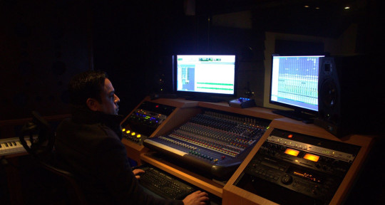Ing Mixing, Music Producer - Ronald Reyes M