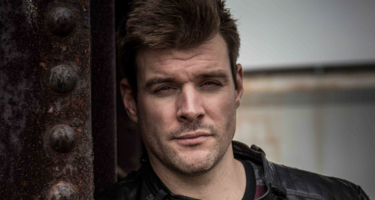 Songwriter, Session Guitarist  - Matt Lashoff