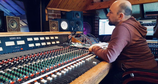 Photo of Gareth Rogers Recording/Mixing