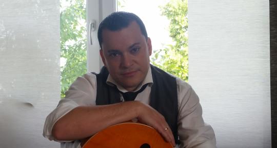 Singer/Songwriter & Guitarist - Daniel Guzman