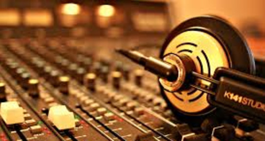 Mixing & Mastering Engineer - Mike Watts