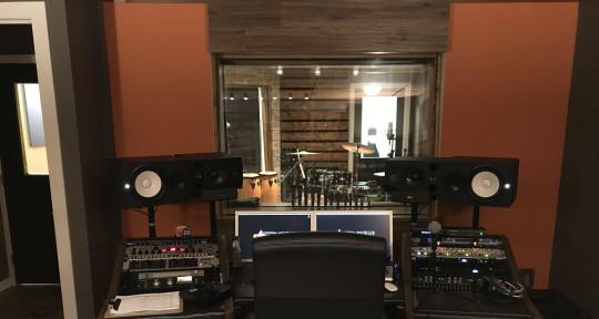 Mixing & Mastering Engineer - Jay Kivi