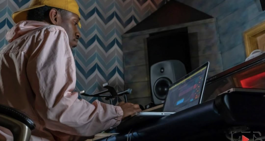 Music Producer - Aaron Kraze