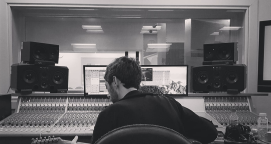Pop Music Producer & Composer - Jamie Chambers