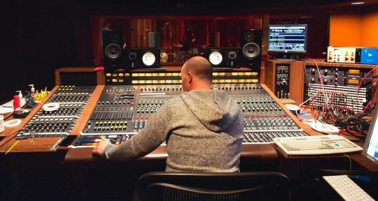 Record producer/mixer - Lior Goldenberg
