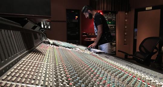 Recording & Mixing Engineer - Narek Ambar