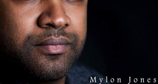 Recording studio mixing master - Mylon