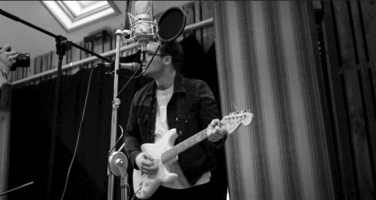 Session Guitarist & Songwriter - Harrison Bond