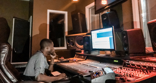 Mixing & Mastering Engineer - Pee Gh