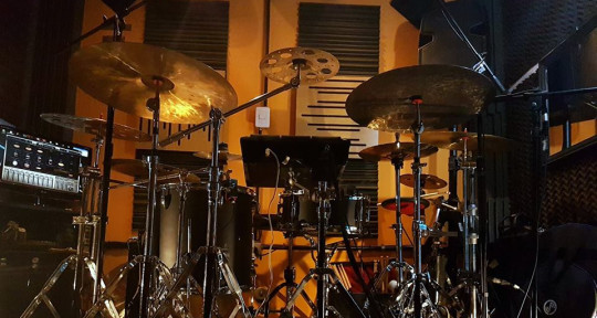 session drummer and recording - Leo Verina