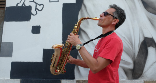 Photo of Carlo Saxophonist