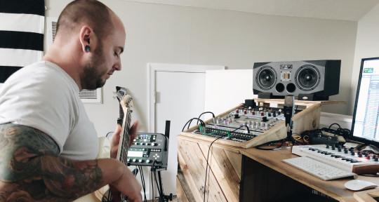 Pro Bassist, Mixing, Mastering - Jake DeJarnett Studio Bassist