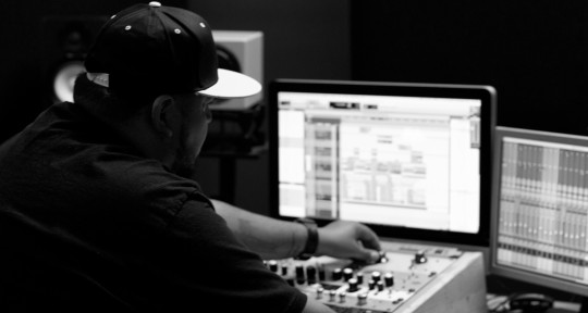 Recording and Mixing Engineer - Cush Arrue