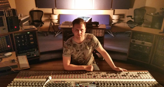 Mixing Engineer - Ben Mclusky