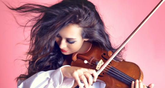 Violinist & Music Contractor - Francesca Dardani