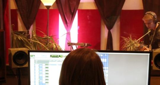 Vocal tuning & comping - Darya Pchelintseva