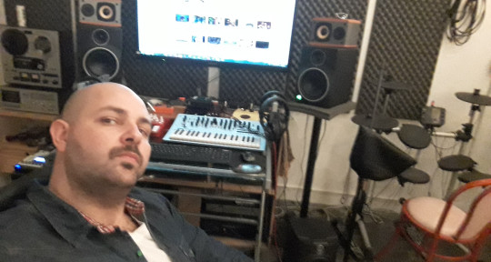 Producer, Mixing and Mastering - Francisco Palavezzati